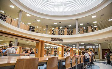 Recursos TIC en Biblioteca