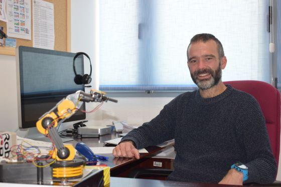 Investigador de la UAL del Grupo Automática, Mecatrónica y Robótica